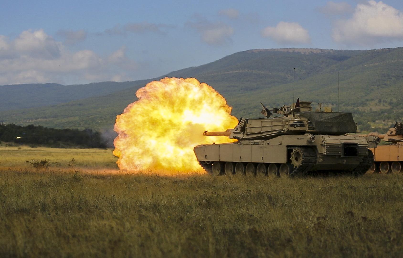 US Marines run tank target practice in Bulgaria