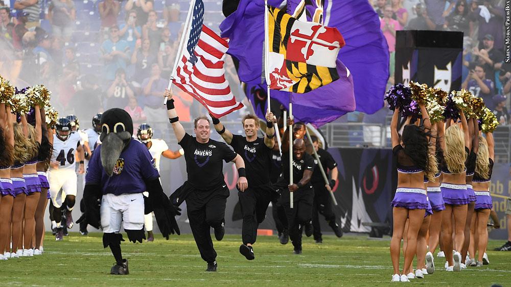 Ravens16-preseason1-team-intro-cheerleaders