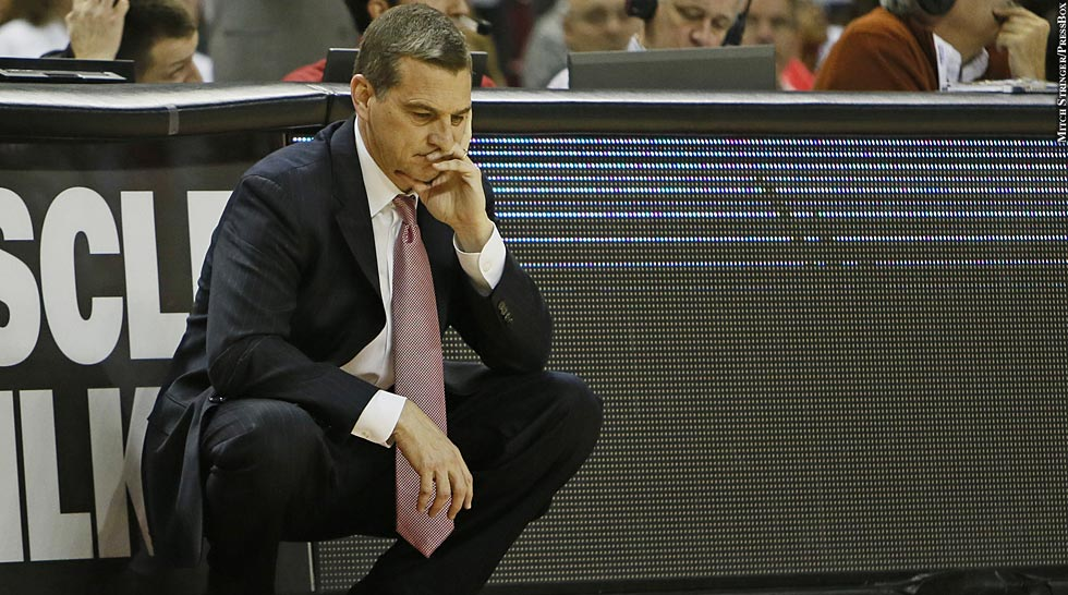 Terps Basketball 2013-14: Mark Turgeon (squatting)