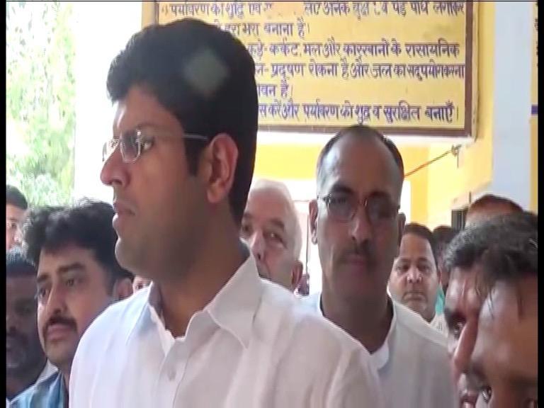 Image of भाजपा अभियानों के जरिए कर रही अपनी पब्लिसिटीः दुष्यंत