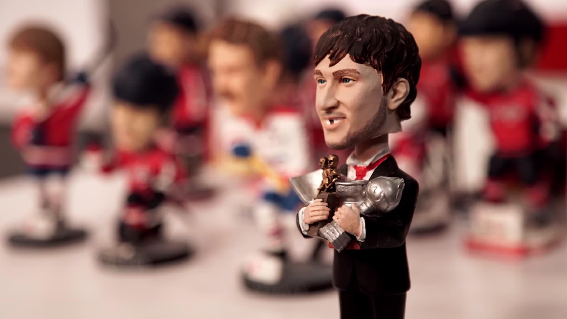 Top 1: Caps Bobblehead