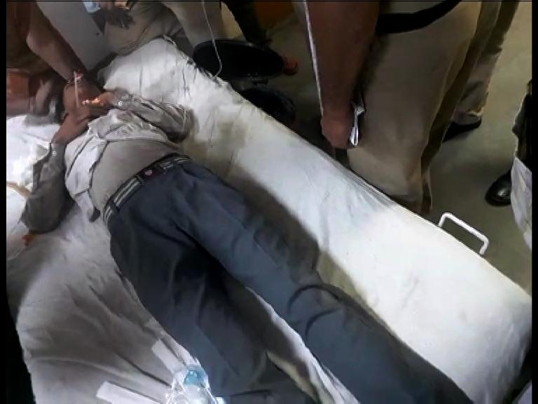 Image of दिल्ली : मुक़रबा चौक के नजदीक बेहोश पड़े मिले 3 स्कूली बच्चे